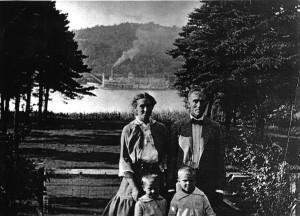 LP036 LaMaster Walter Benjamin Pauline Tandy and Children